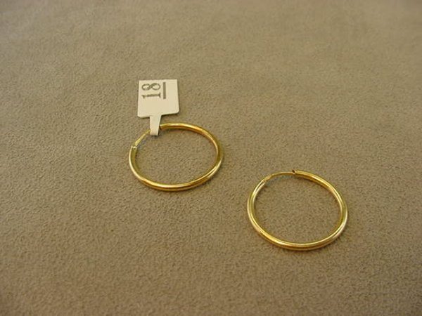 3018: PAIR 18K GOLD HOOP PIERCED EARRINGS