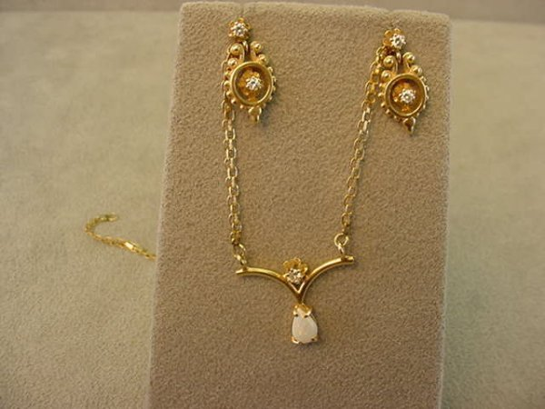 3328: 14K OPAL & DIAMOND NECKLACE & CITRINE EARRINGS