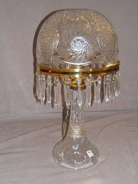 4060: CUT GLASS LAMP WITH PRISMS