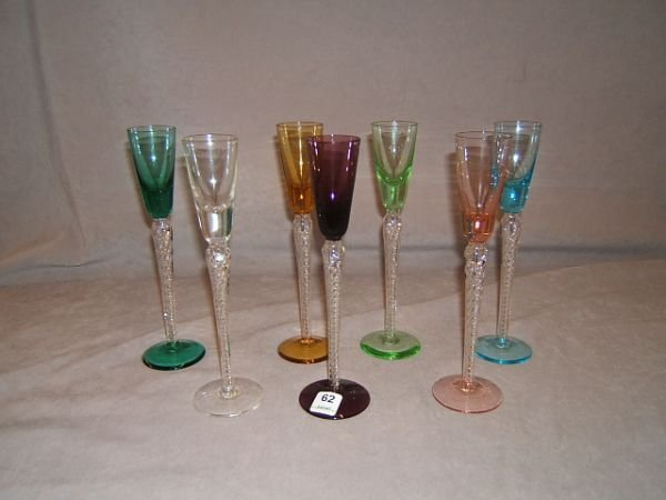 4062: 7 BICOLOR GLASS GOBLETS