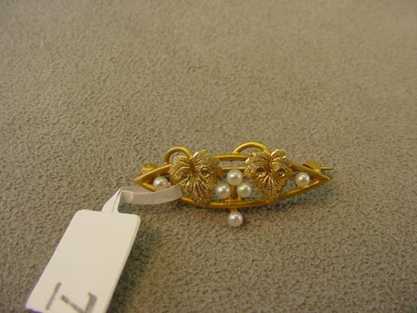 5007: ANTIQUE 14K GOLD SEED PEARL PIN