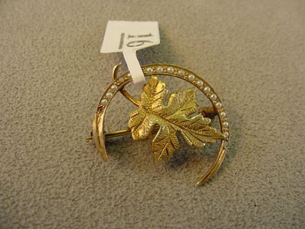 5016: ANTIQUE 10K GOLD SEED PEARL PIN