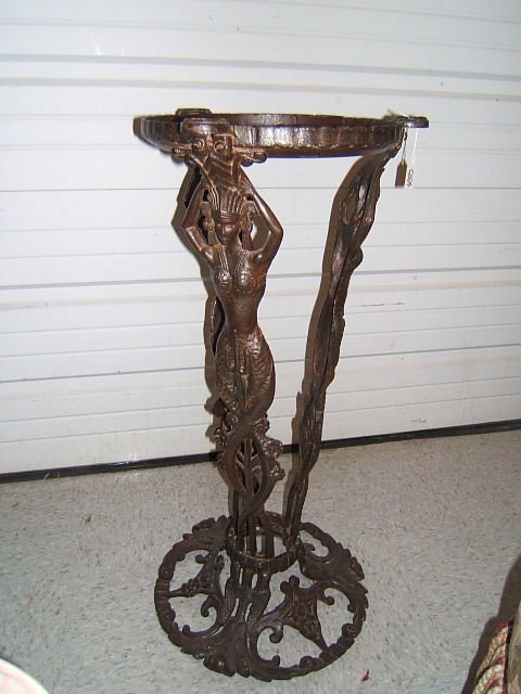 1450: ART DECO STYLE FIGURAL IRON STAND