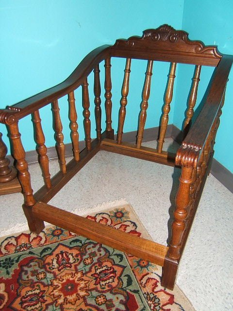 3070: MATCHING CARVED WALNUT SOFA AND CHAIR FRAMES