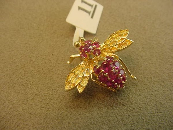 5011: 14K GOLD RUBY INSECT PIN