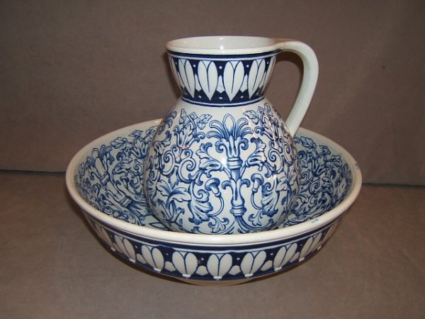 6004: BW&MOORE CO. TEUTONIC BOWL AND AS/IS PITCHER