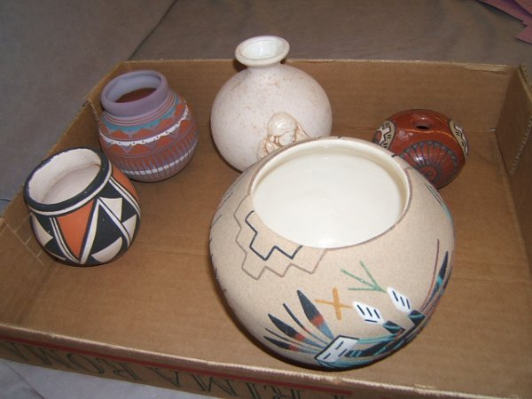7101: 5 SIGNED NATIVE AMERICAN POTTERY ITEMS
