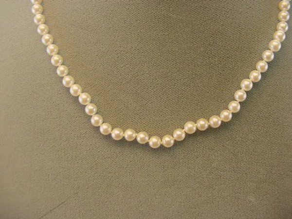 """8022: 17"""" STRAND PEARLS -14K GOLD CLASP"""