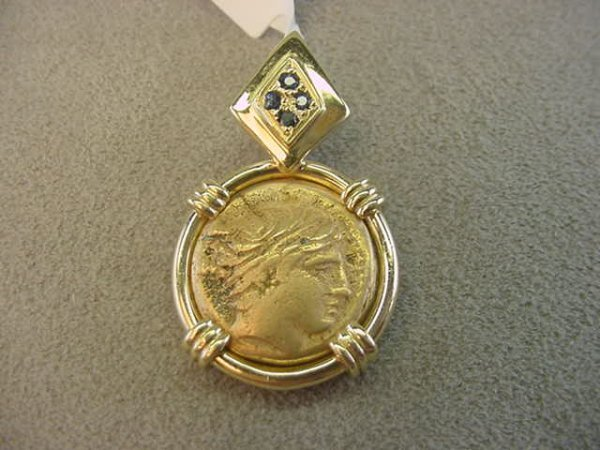 9004: 14K GOLD COIN REPLICA AND SAPPHIRE PENDANT