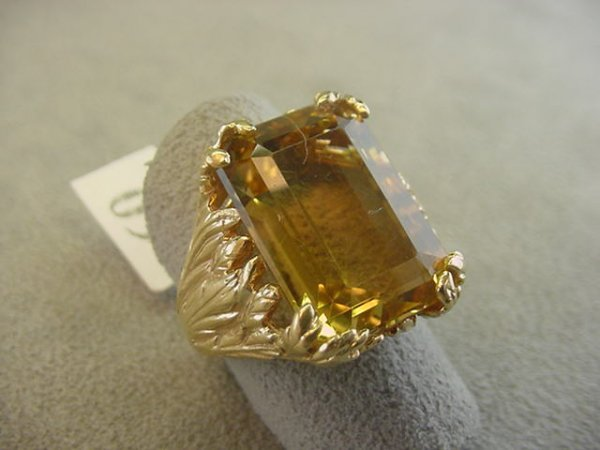 9060: 14K GOLD LEAF DESIGN CITRINE RING