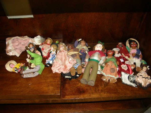3204: GROUP OF DOLLS INCLUDING STORYBOOK, SOME AS/IS