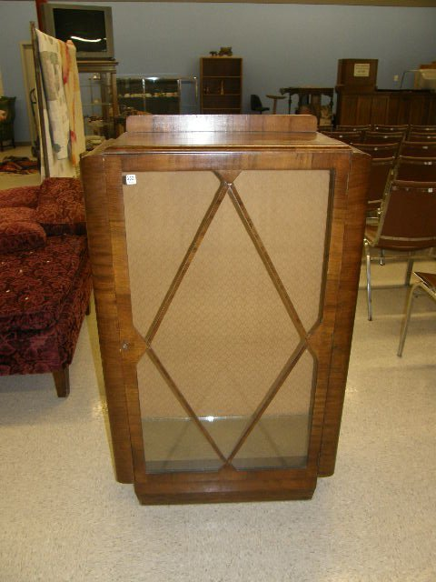 3332: ART DECO CHINA CABINET WITH KEY