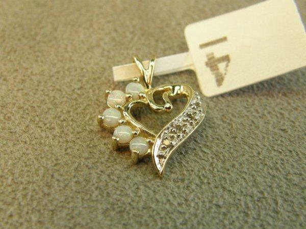 4004: 10K GOLD OPAL AND DIAMOND HEART PENDANT