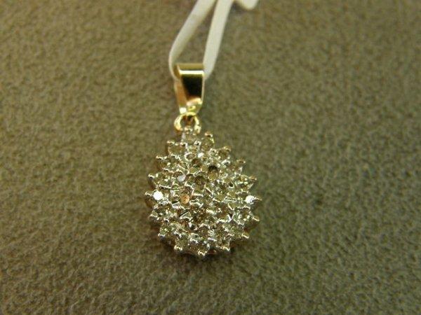 4005: 10K GOLD DIAMOND PENDANT