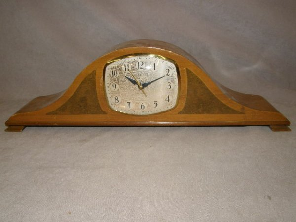 5235: IMPERIAL WESTMINSTER CHIME ELECTRIC CLOCK