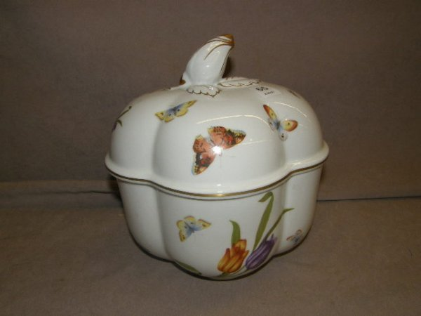 5065: HANDPAINTED LIMOGES COVERED CONTAINER