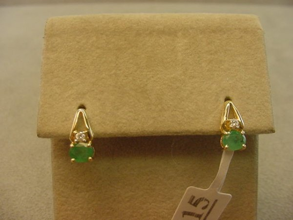 6015: 14K GOLD EMERALD AND DIAMOND EARRINGS