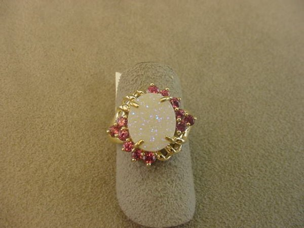 8007: 10K GOLD QUARTZ AND COLORED STONE RING