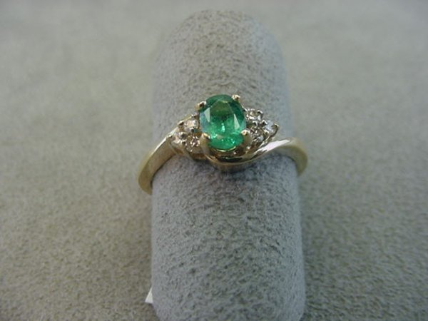 8021: 14K GOLD EMERALD AND DIAMOND RING