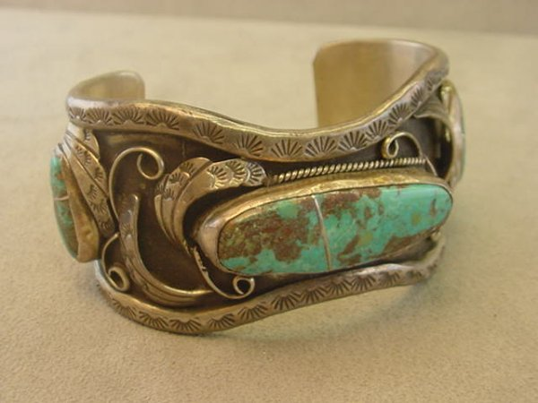 9266: INDIAN SILVER TURQUOISE CUFF BRACELET