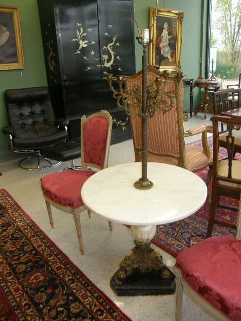 1063: ORNATE BRONZE & MARBLE TABLE / LAMP