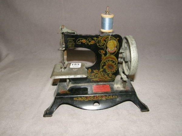 2153: LINDSTROMS' LITTLE MISS SEWING MACHINE