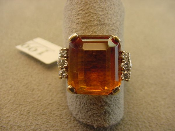 3199: 14K GOLD CITRINE AND DIAMOND RING
