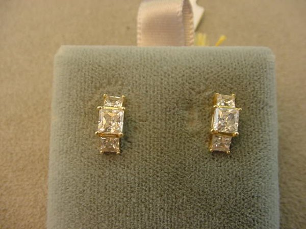 6024: 14K GOLD CUBIC ZIRCONIA EARRINGS