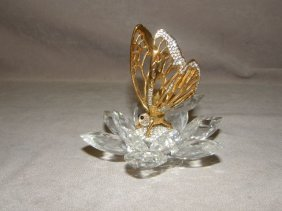 9022: SWAROVSKI CRYSTAL BUTTERFLY ON FLOWER WITH BOX