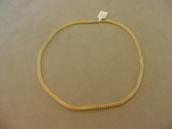 1011: 1 17 INCH 14K GOLD WOVEN LINK NECKLACE
