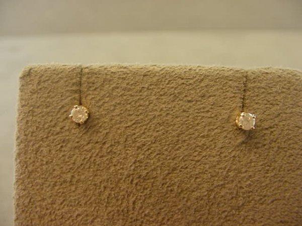 1019: 14K GOLD DIAMOND EARRINGS