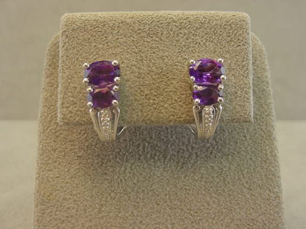 4011: 14K WHITE GOLD AMETHYST AND DIAMOND EARRINGS