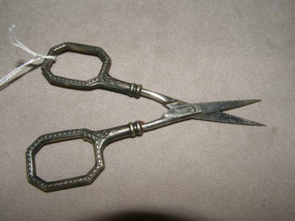 4021: STERLING HANDLED SCISSORS