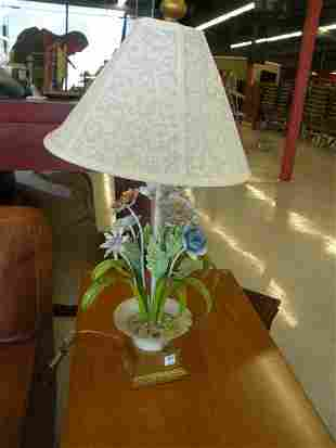 PAINTED TOLE LAMP WITH MADE IN ITALY TAG