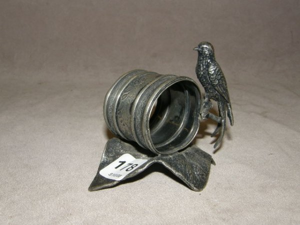 5178: VICTORIAN SILVERPLATED FIGURAL NAPKIN RING