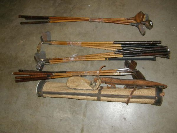 5164: 20 WOOD, ETC SHAFTED GOLF CLUBS IN CANVAS BAG -.