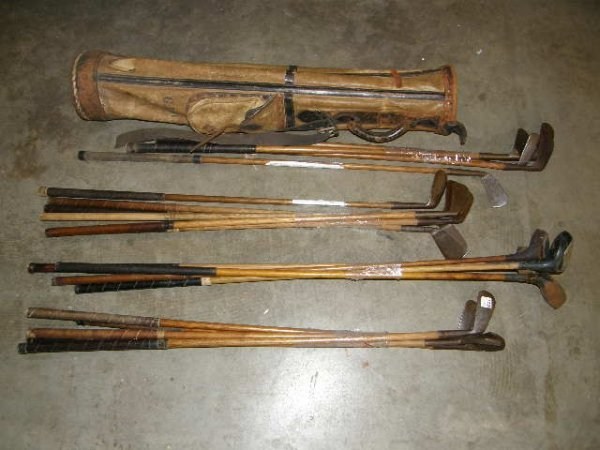 5170: 20 WOOD, ETC SHAFTED GOLF CLUBS IN LEATHER BAG -.