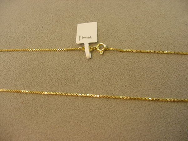 6001: 1 21 INCH 18K GOLD BOX LINK CHAIN