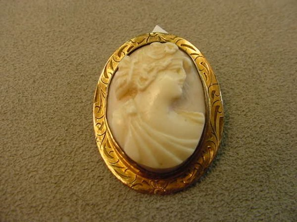 6014: CARVED SHELL CAMEO IN PIN MOUNT