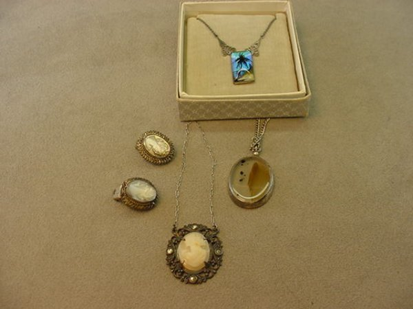 6015: BAG OF VINTAGE SILVER JEWELRY