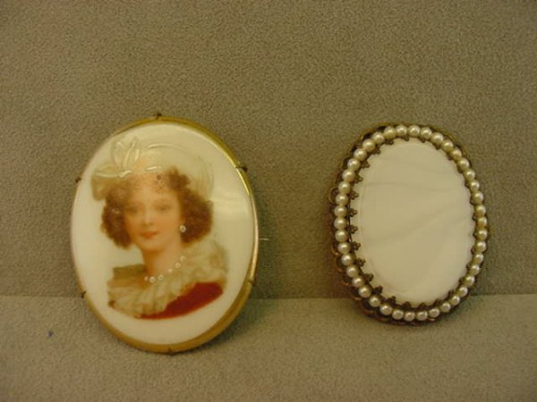 6021: 2 VINTAGE PINS -PORCELAIN PORTRAIT & GLASS BEAD
