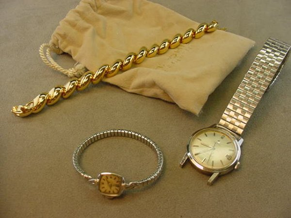 6024: 2 WRISTWATCHES: OMEGA SEAMASTER & LADIES OMEGA