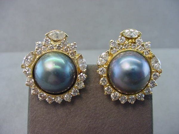 6051: 14K GOLD MABE PEARL AND DIAMOND EARRINGS