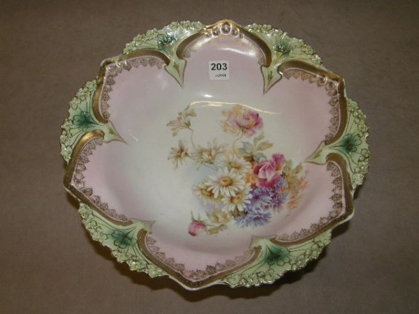 7203: R S PRUSSIA FLORAL PATTERN BOWL