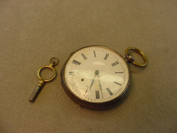 1011: ANTIQUE KEY WIND POCKETWATCH -AS/IS