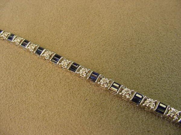 1015: 14K WHITE GOLD DIAMOND AND SAPPHIRE BRACELET
