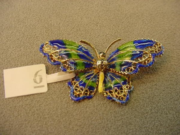 3006: 14K GOLD ENAMEL DECORATED BUTTERFLY PIN