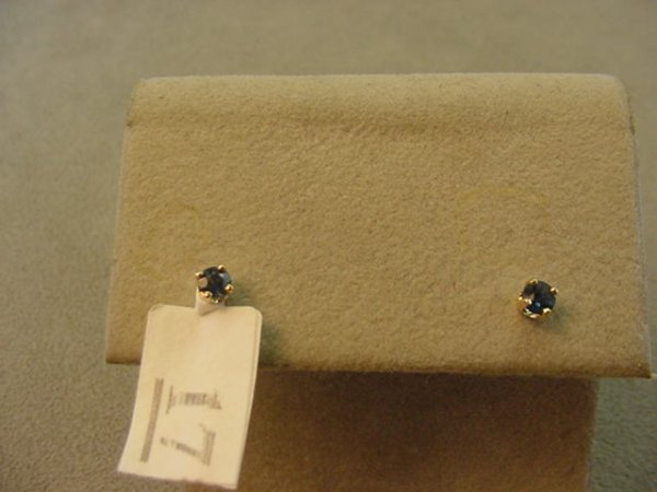 3017: 14K GOLD BLUE SAPPHIRE EARRINGS