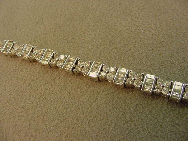 3323: 14K WHITE GOLD 3.50 CT TW DIAMOND BRACELET