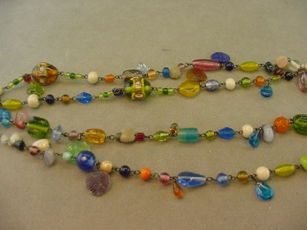 5020: 1 52 INCH ART GLASS BEAD NECKLACE